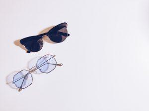 jaki kolor szkieł w okularach przeciwsłonecznych